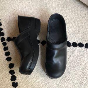 ✨EUC Dansko Professional Leather Clog Sz 39✨
